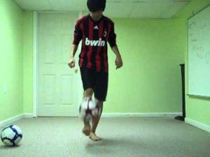Cara Juggling Bola